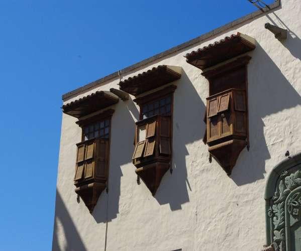 Alte fensterl den der casa de colon spanien bilder - Alte fensterladen ...